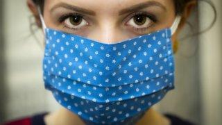 マスクで肌が荒れた!40代女性のマスクによる肌荒れを改善してくれるアイテムのご紹介